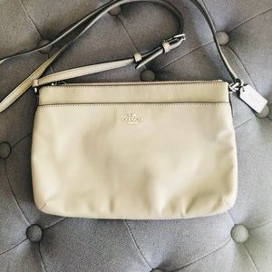 Authentic Grey Leather Crossbody Bag 🌺
